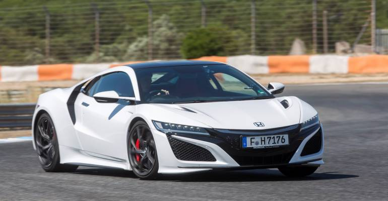 Nuova Honda NSX 2017: supercar green e intelligente